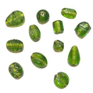 Dijes de vidrio de la India verdes