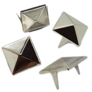 Tachas cuadradas piramidales